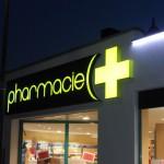 enseigne-lumineuse-croix-pharmacie