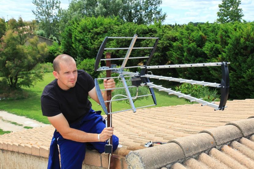 Installation d'antenne tv : Faites appel à un technicien professionnel