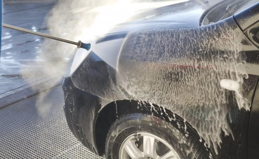 À quelle fréquence faut-il laver sa voiture ?