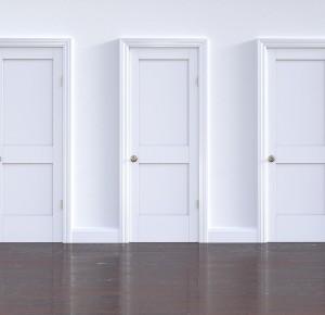 Choisir une porte d'entrée : modèles, matériaux et couleurs